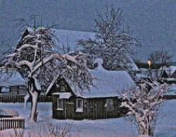 """10 января - Домочадцев день.Крестьяне говорили: солнце и месяц """"наденут рукавицы и шапку"""" (дуги с боков и сверху) – будет сильный мороз. Если в этот день ляжет густой иней или пойдёт снег хлопьями – будет изобилие хлеба."""