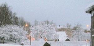 13 января - Маланья или Васильев вечер. По старому стилю 31 декабря. По народным приметам, если подует в ночь ветер с юга — год будет жарким и благополучным, с запада — к изобилию молока и рыбы, с востока — жди урожая фруктов.